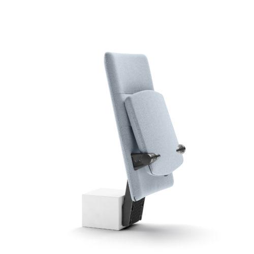 Arena auditoriestol med medium rygg og oppslått sete Fora Form