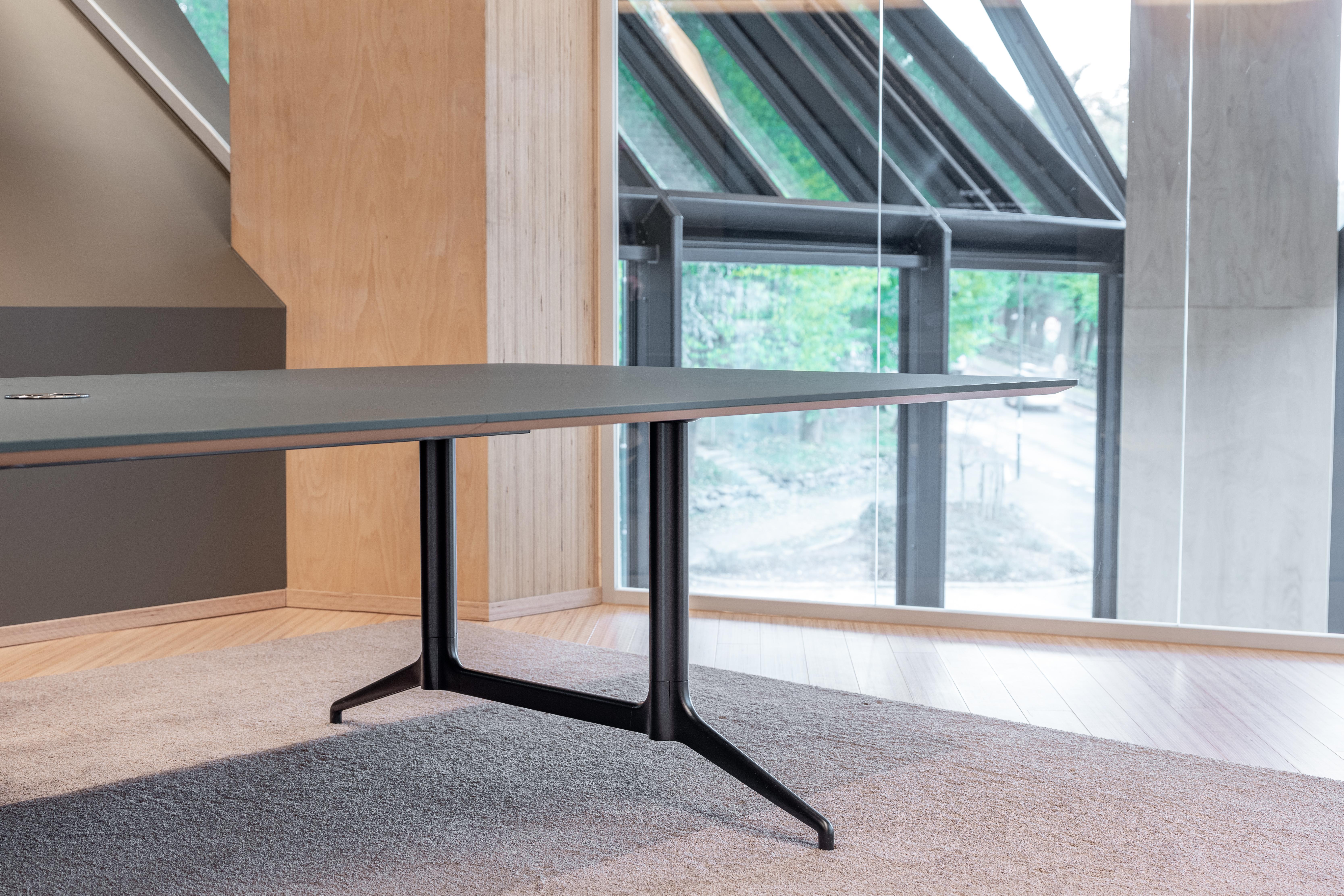 Ekstra brede Kvart bord for store møter Fora Form