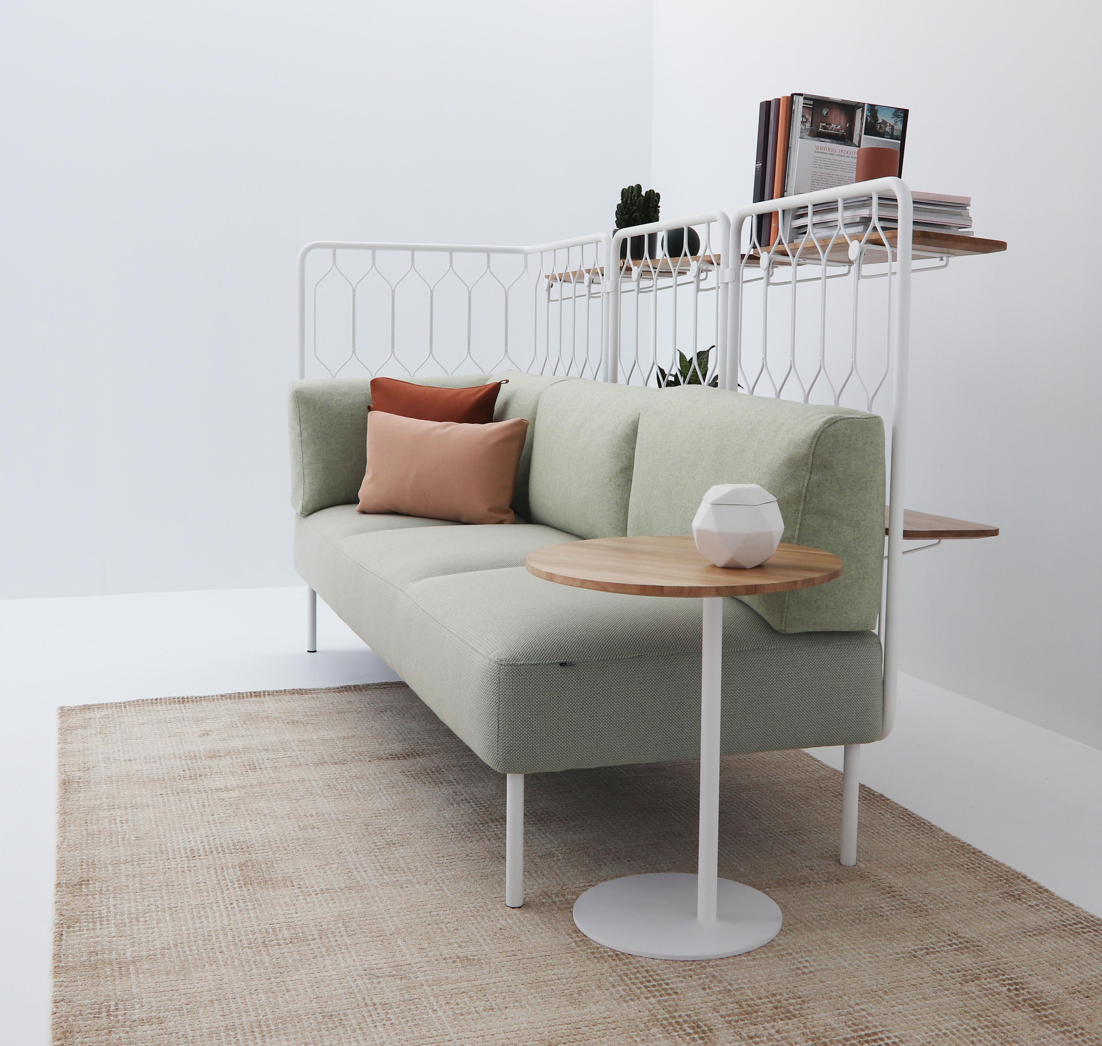 Kove sofa med hyller Fora Form puter og S bord