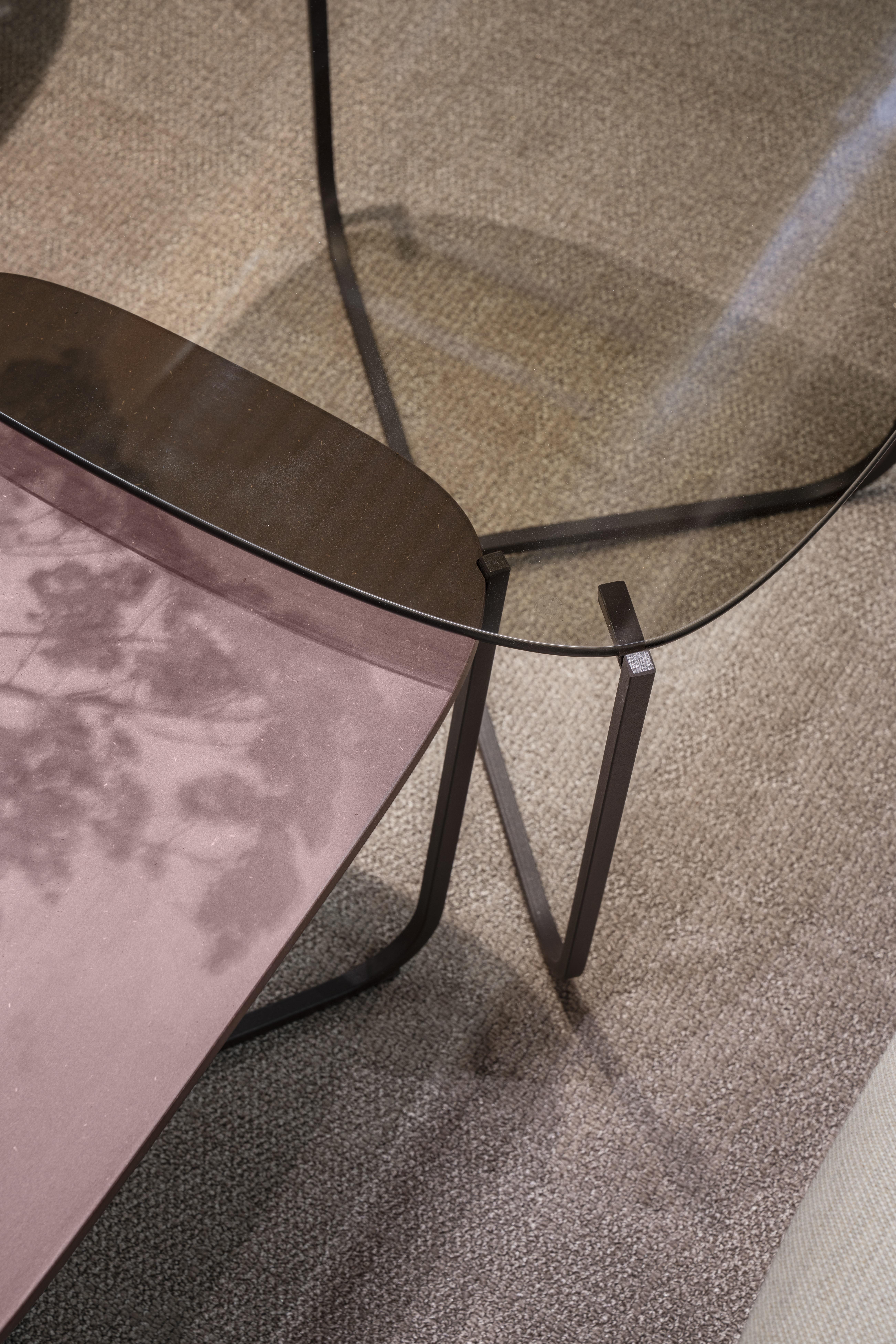 Root bord med glass og Valchromat Fora Form