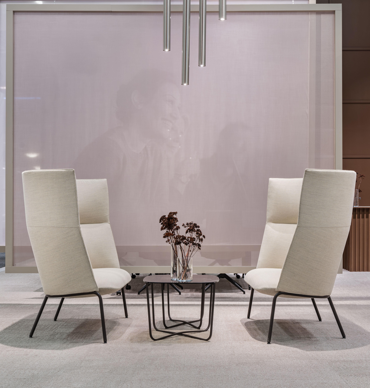 Tind 1000 H sofa sammen med Root bord Fora Form
