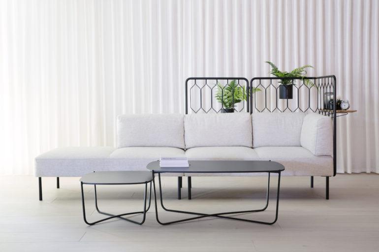 Kove med gridd i ulike høyder og Root bord Fora Form