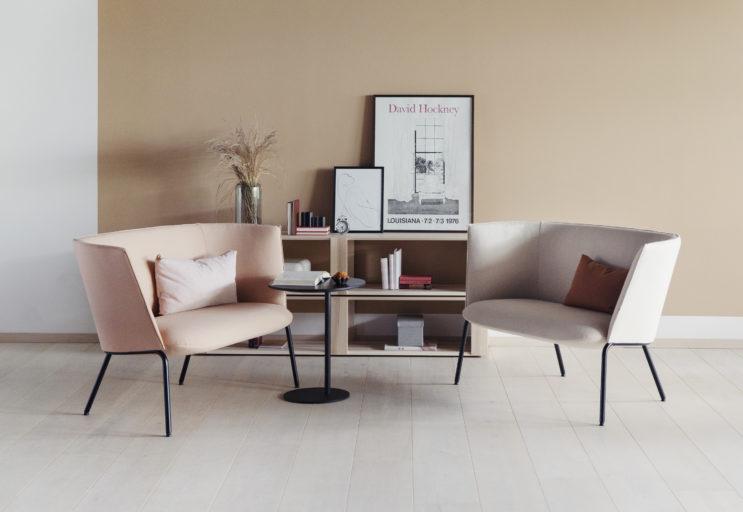 To Tind 1000 sofaer sammen med et S bord Fora Form