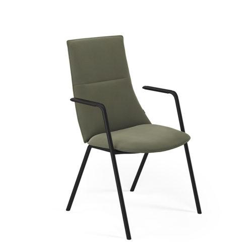 Fjell stol med armlen 4 ben og medium rygg Fora Form