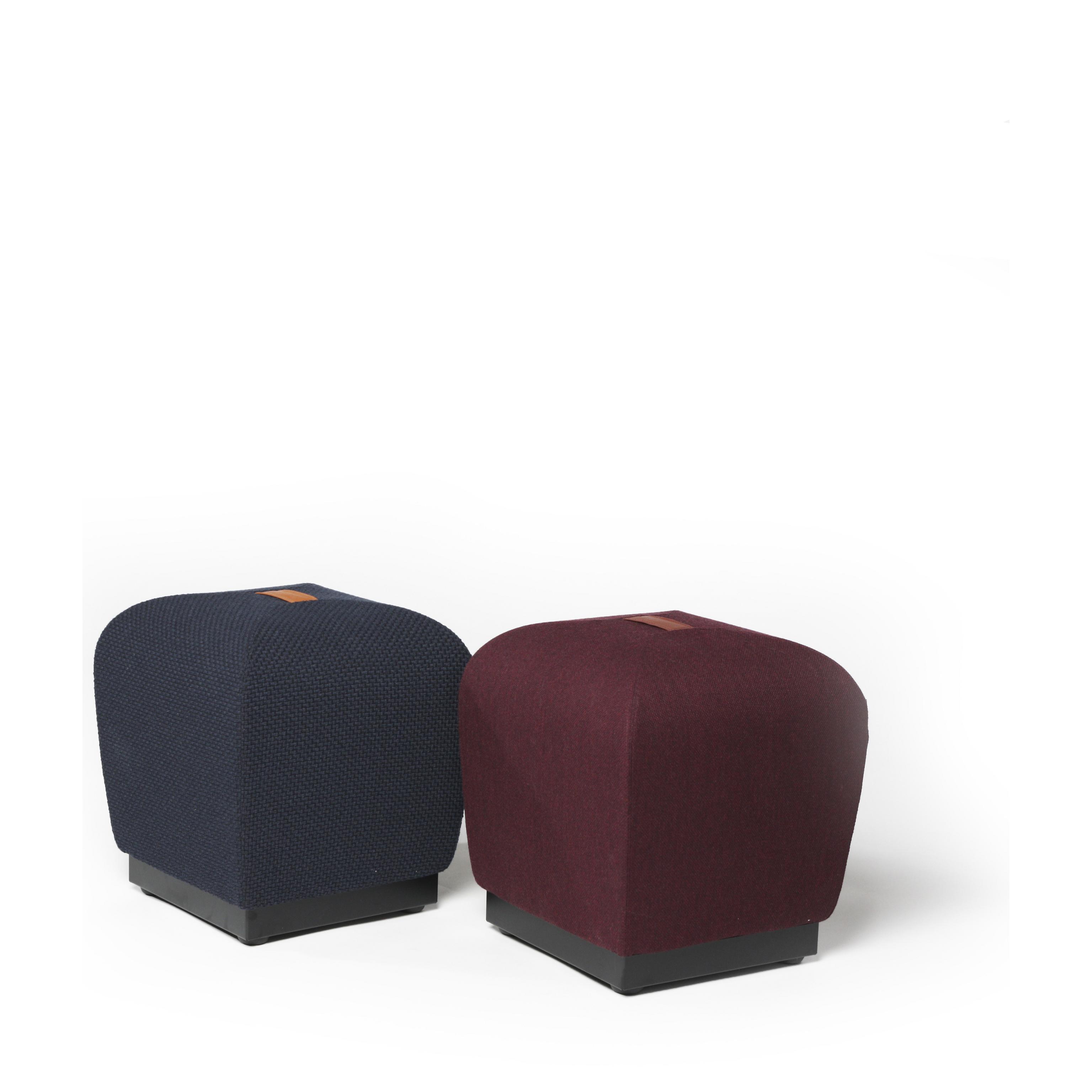 Misto puffer med bærehåndtak i skinn Fora Form