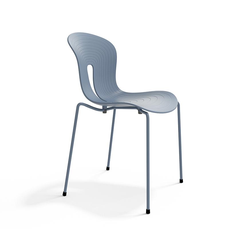 Pond I stol lys blå plaststol Fora Form
