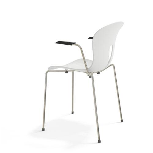 Pond I stol hvit plaststol med armlen Fora Form