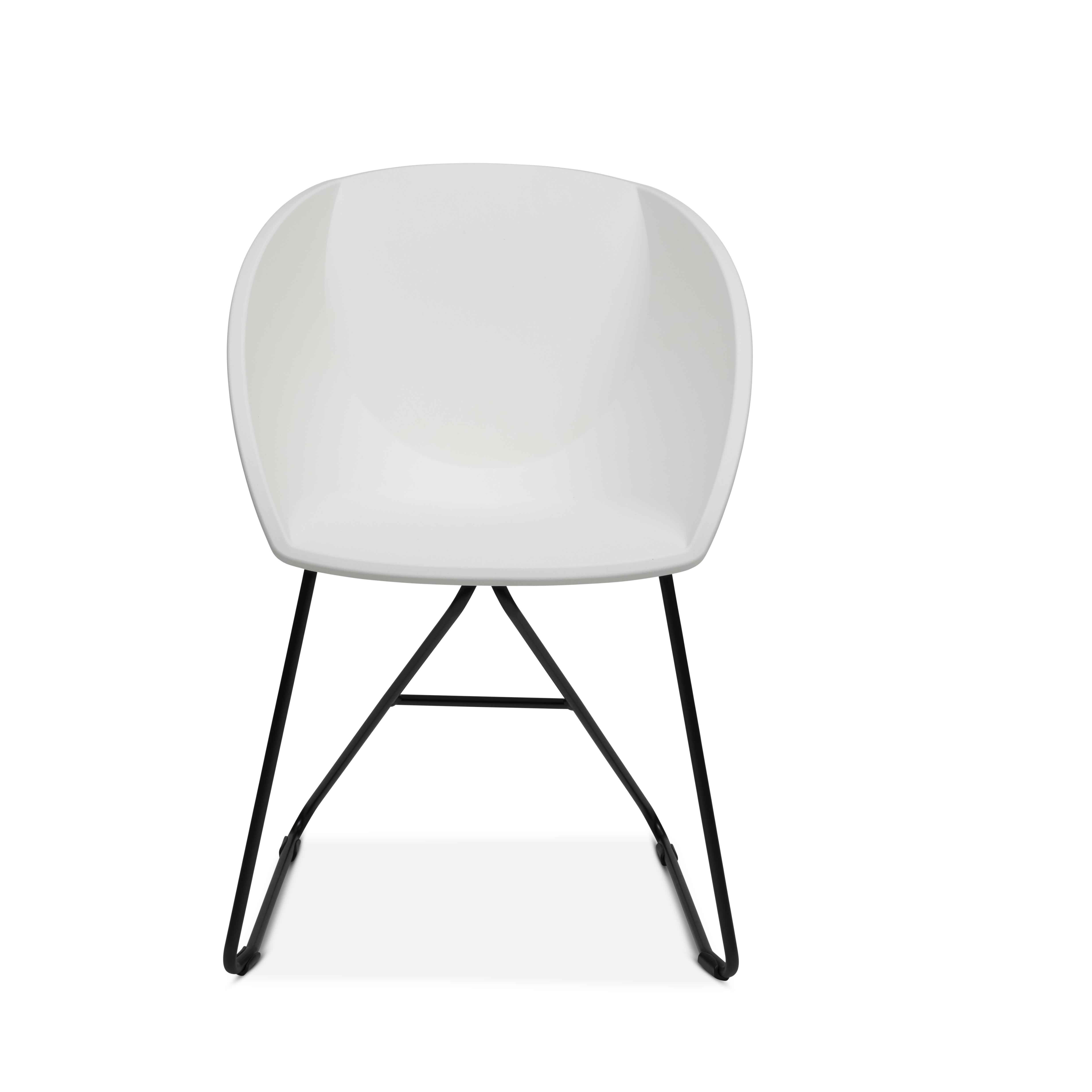 Popcorn stol i hvit gjenvunnet plast Fora Form