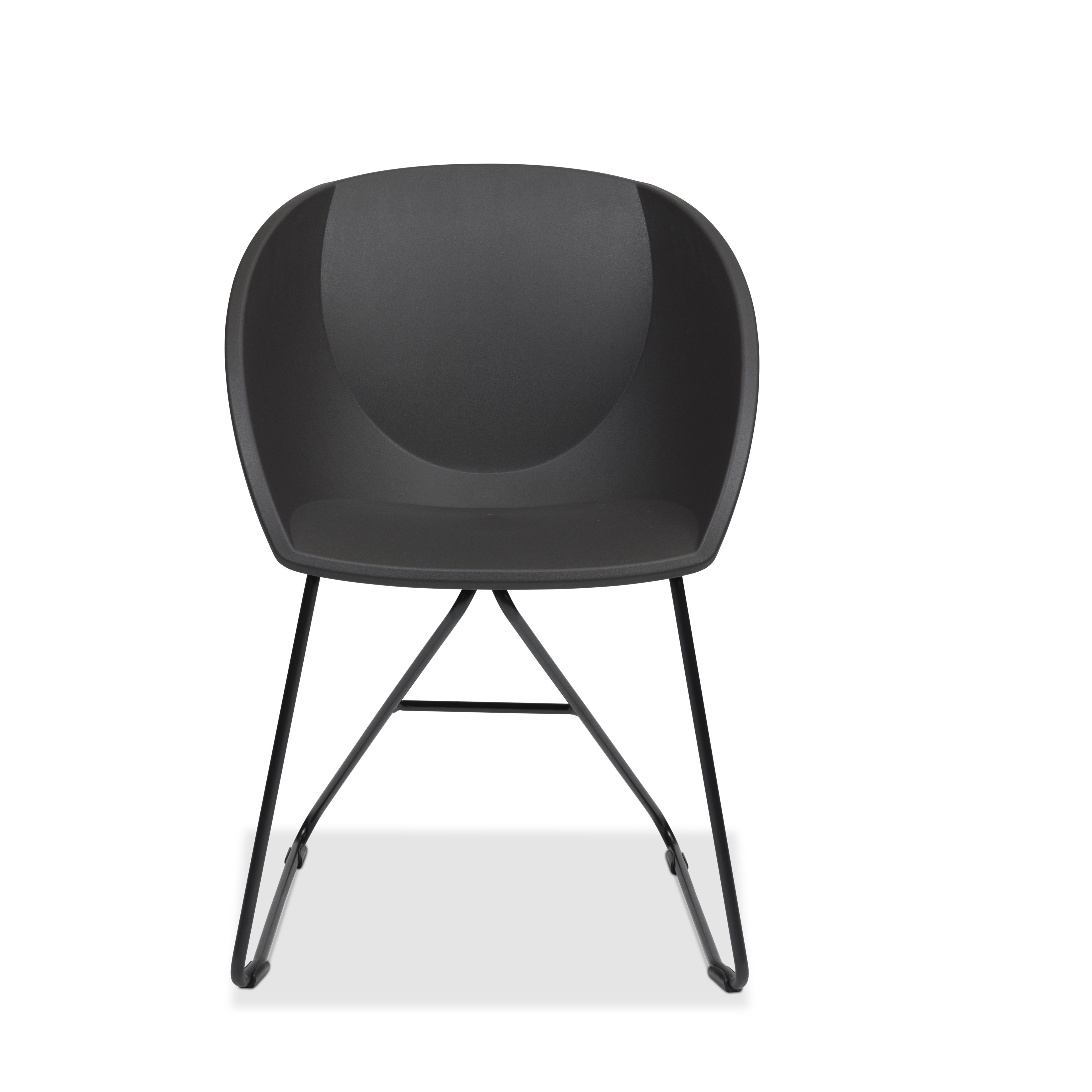 Popcorn stol i mørk grå gjenvunnet plast Fora Form