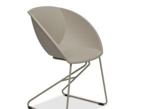 Popcorn stol i beige gjenvunnet plast fra Fora Form