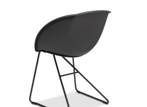Popcorn stol i mørk grå gjenvunnet plast fra Fora Form